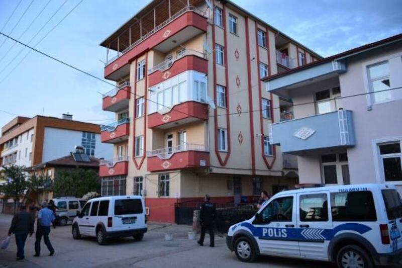 3'üncü kattan Muhammed Emir, öldü