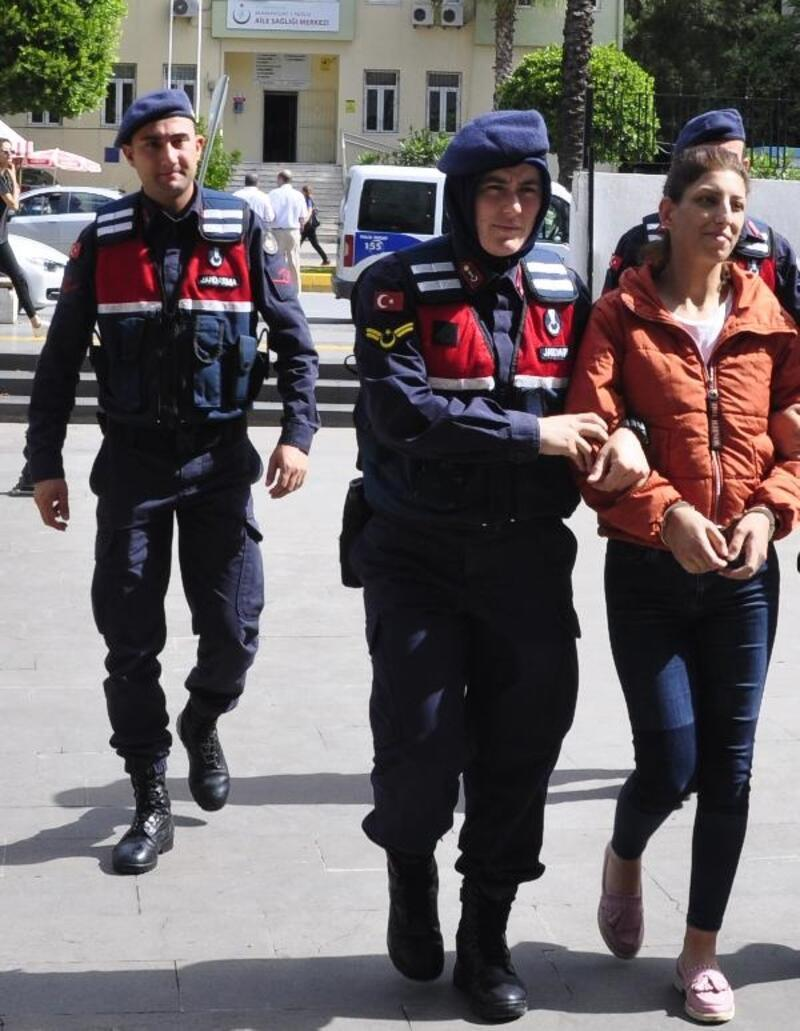 Uyuşturucudan tutuklanan kadın, 2 çocuğuyla cezaevine girdi