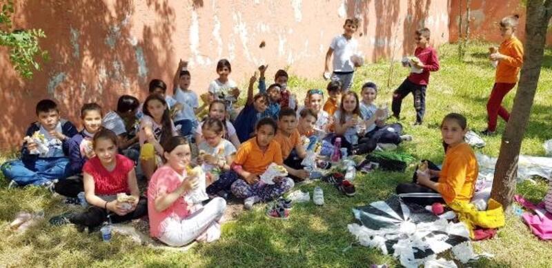 Dezavantajlı öğrencilere, piknik ve uçurtma şenliği düzenlendi