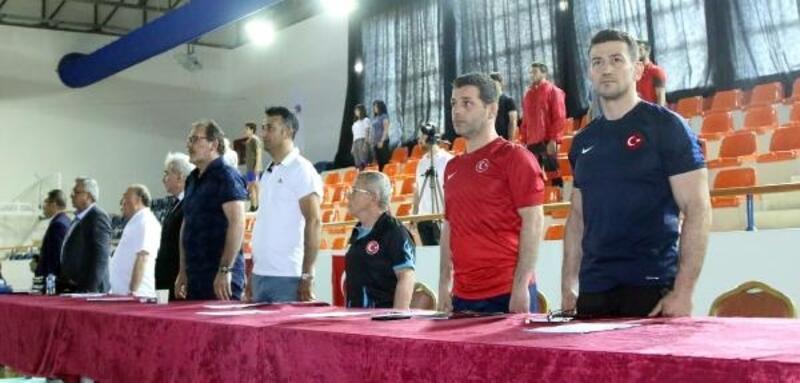 U23 Türkiye Grekoromen Güreş Şampiyonası başladı
