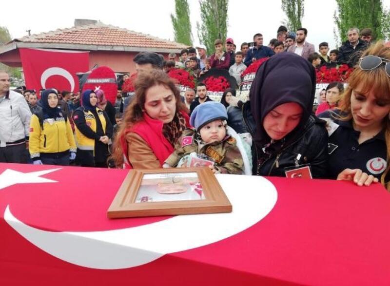 Şehit Sözleşmeli Er, Afyonkarahisar'da gözyaşlarıyla uğurlandı