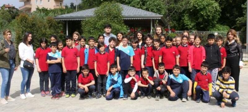 Öğrencilerden Alanya Belediyesi serasına ziyaret
