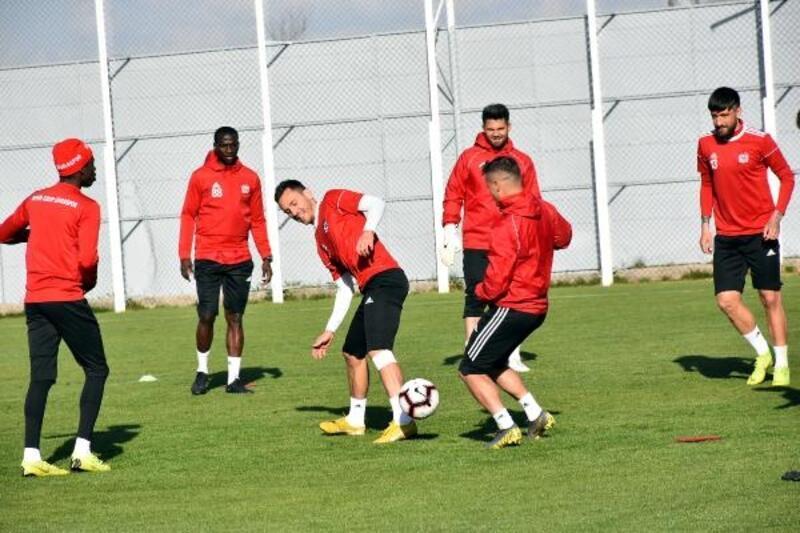 Demir Grup Sivasspor, Göztepe hazırlıklarını sürdürdü