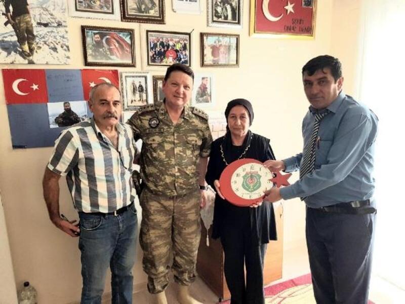 Garnizon Komutanı Sancaktar'dan şehit ailelerine ziyaret