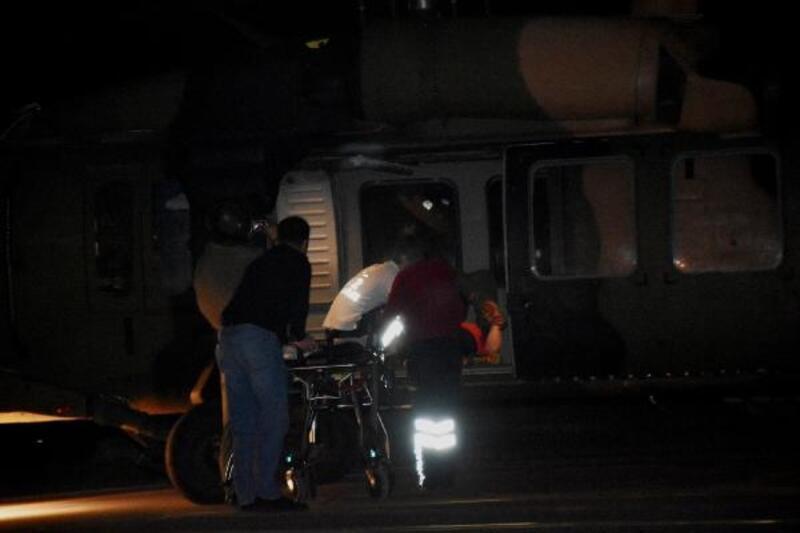 İneğin yaraladığı genç kız askeri helikopterle taşındı