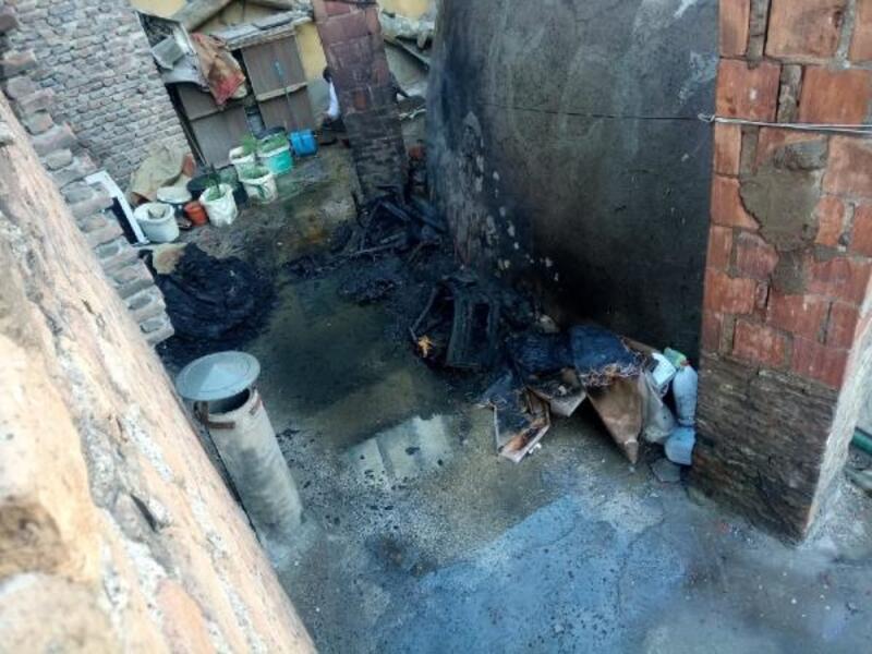 Yangında mahsur kalan yavru kediler itfaiye kurtardı