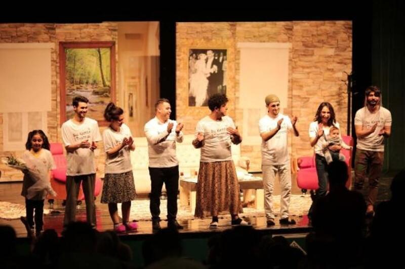'Nereden Geldin Teyze' adlı tiyatro oyununun ilk gösterimi yapıldı