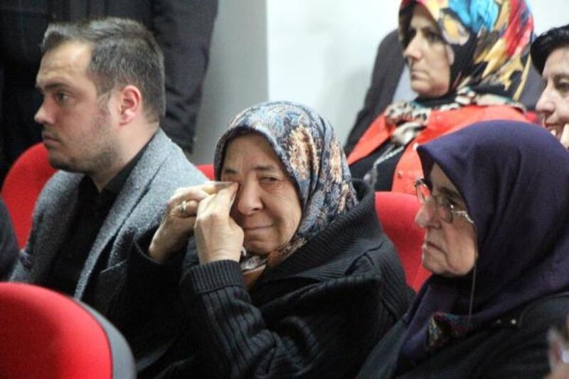Liselilerin Anneler Günü etkinliği şehit annelerini ağlattı