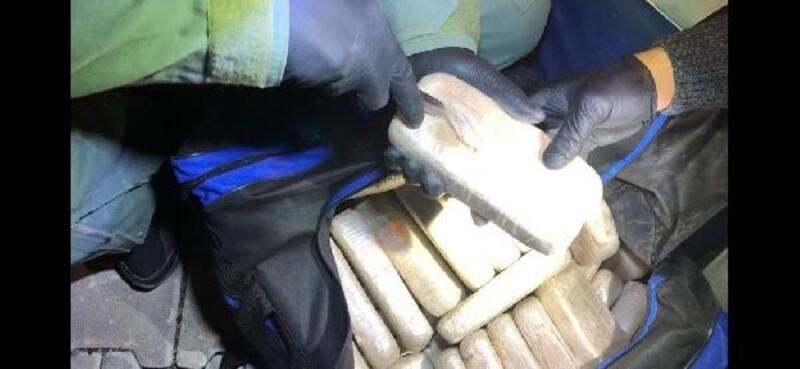 Minibüsteki çantaların içinde 103 kilo eroin ele geçirildi