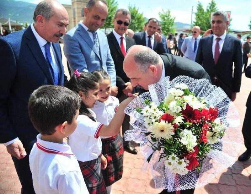 Vali Coşkun'dan, Adnan Oğuz Anadolu Lisesine ziyaret