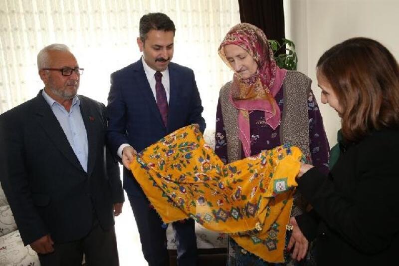 Başkan Eroğlu, şehit annelerini unutmadı