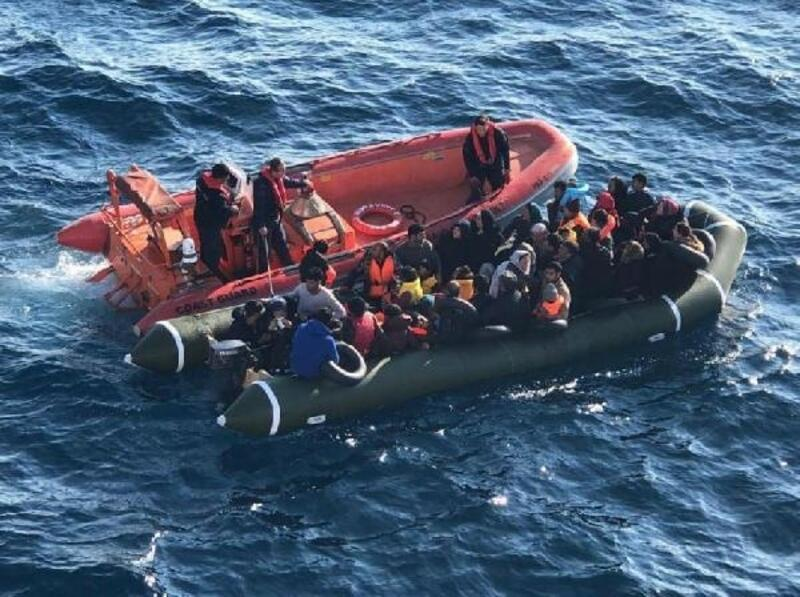 Kuşadası ve Didim açıklarında 145 kaçak göçmen yakalandı