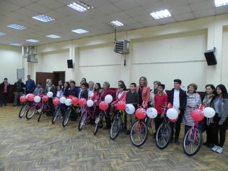 Milli Mücadelenin 100' üncü yılında TYSD'nden 11 çocuğa bisiklet