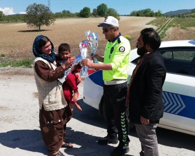 Polisten 'Anneler Günü' sürprizi