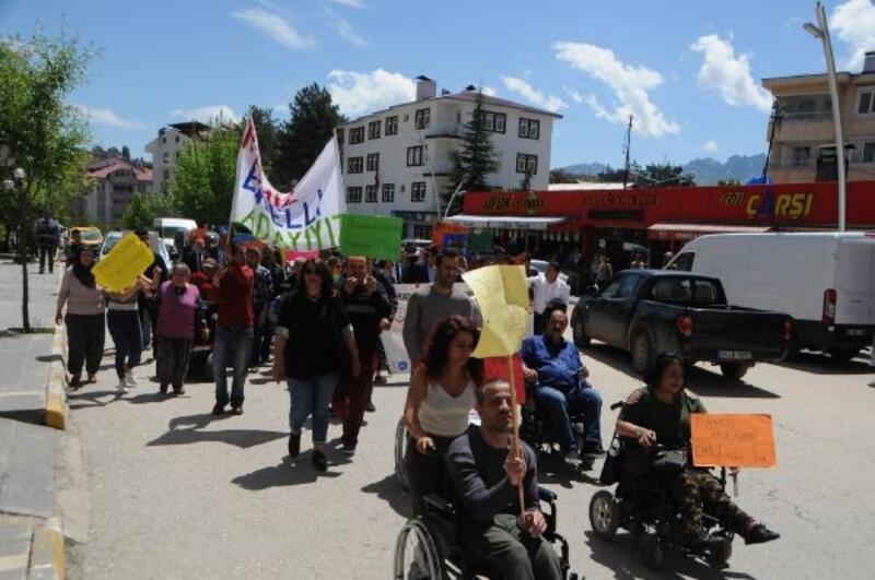 Tunceli'de engellilerden farkındalık yürüyüşü