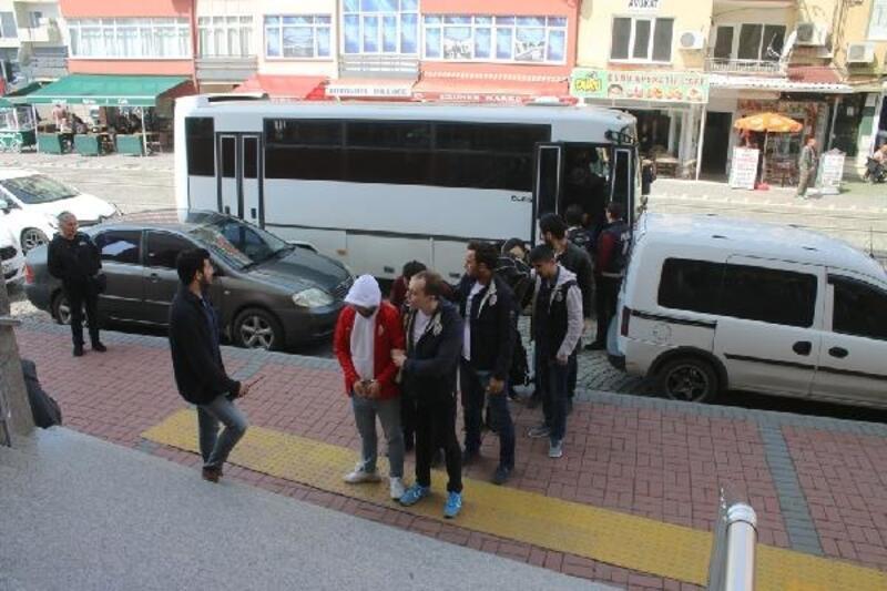 Kocaeli'de yasa dışı bahis oynatan 7 kişi yakalandı