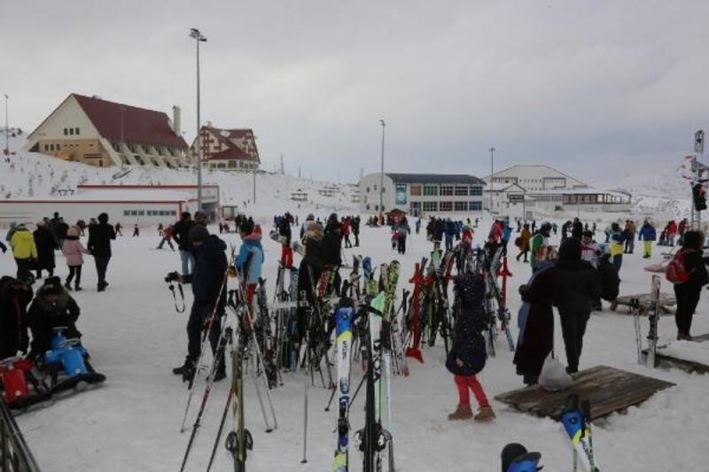 Yıldız Dağı Kış Sporları Turizm Merkezi ziyaretçi rekoru kırdı