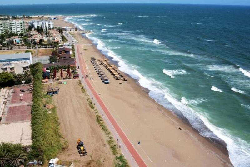 Mersin'de plajlar temizleniyor