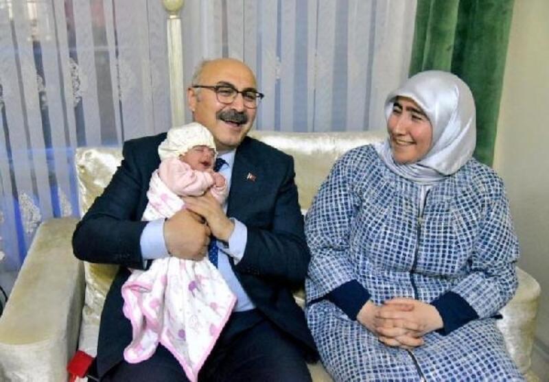 Vali Köşger'den şehit ailesine ziyaret