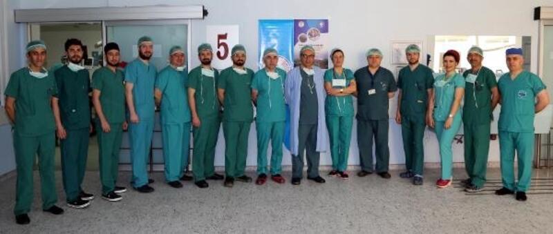 ERÜ Hastaneleri'nde uygulamalı laparoskopi kursu