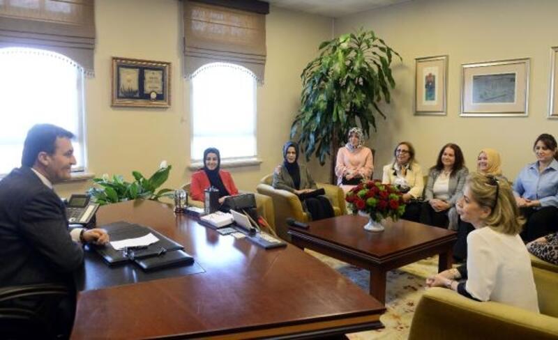 AK kadınlardan Başkan Dündar'a ziyaret