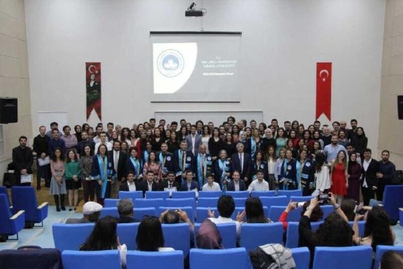 Kırklareli Üniversitesi'nde mezuniyet töreni