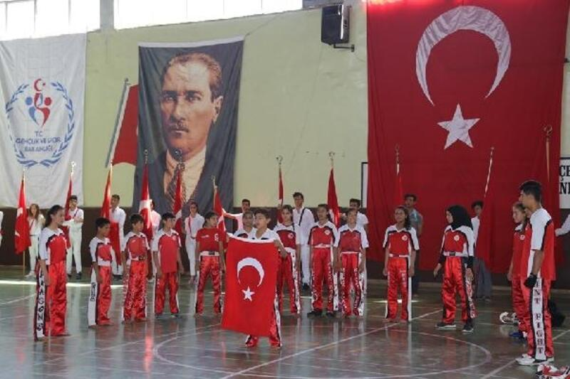 Nizip'te, 19 Mayıs kutlandı