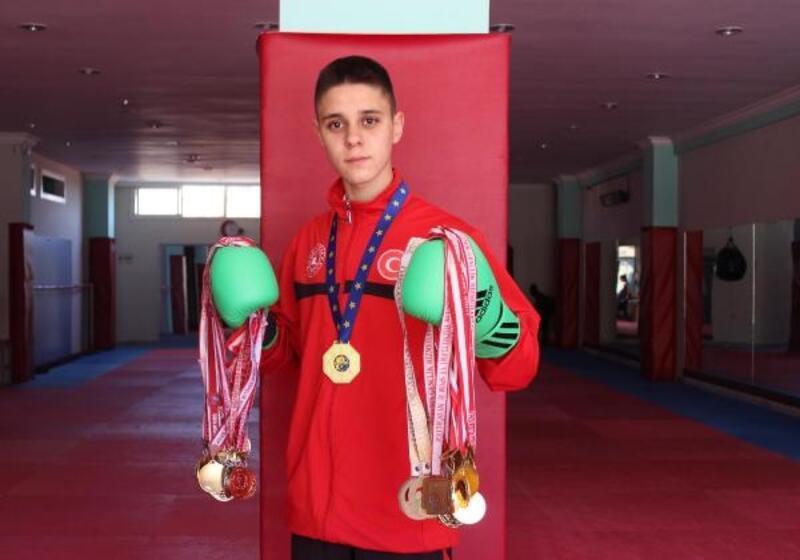 Liseli Doğukan kendi kilosunda Avrupa şampiyonu oldu