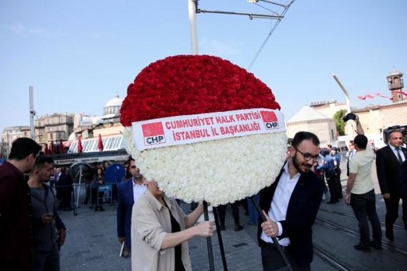 Taksim Meydanı'nda 19 Mayıs kutlaması