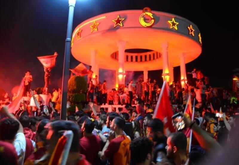 Galatasaray şampiyonluğunu ilan etti Mersin'de hayat durdu