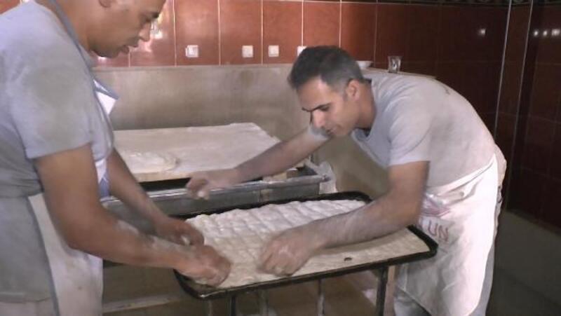Muş'ta 'aile boyu' ramazan pideleri