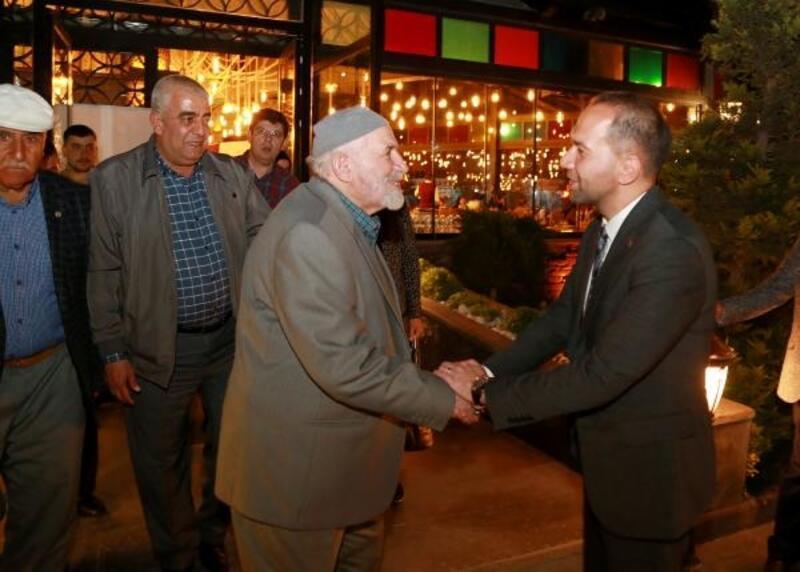 Başkan Özdemir, iftar sofrasında şehit aileleri ile buluştu