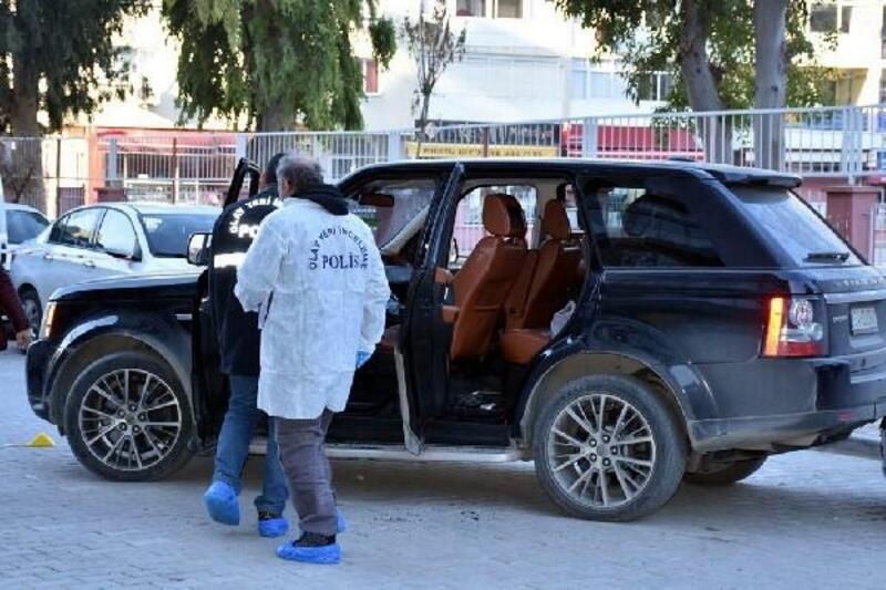 İzmir'de 69 sanıklı suç örgütü davasında 23 tahliye