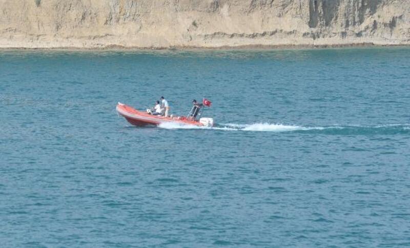 Baraj gölünde erkek cesedi bulundu