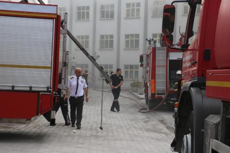 Manisa'da beton fabrikasında yangın