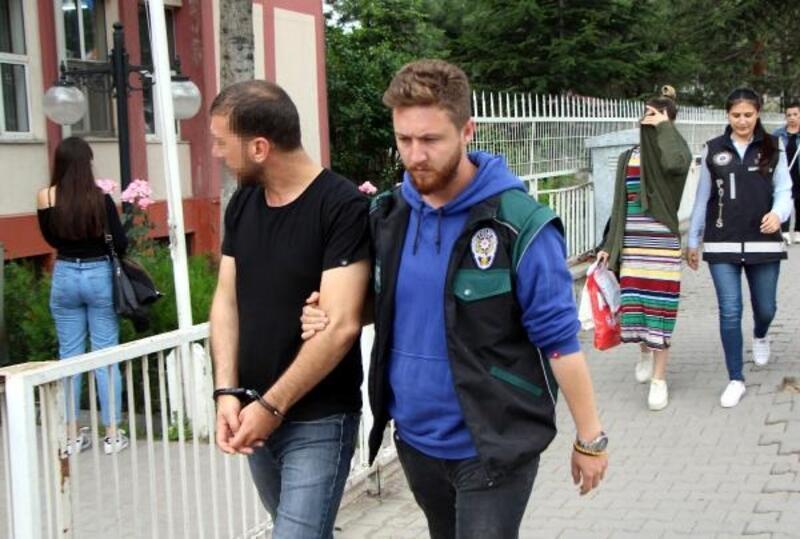 Uyuşturucu ile yakalanan çifte 9'ar yıl hapis cezası verildi