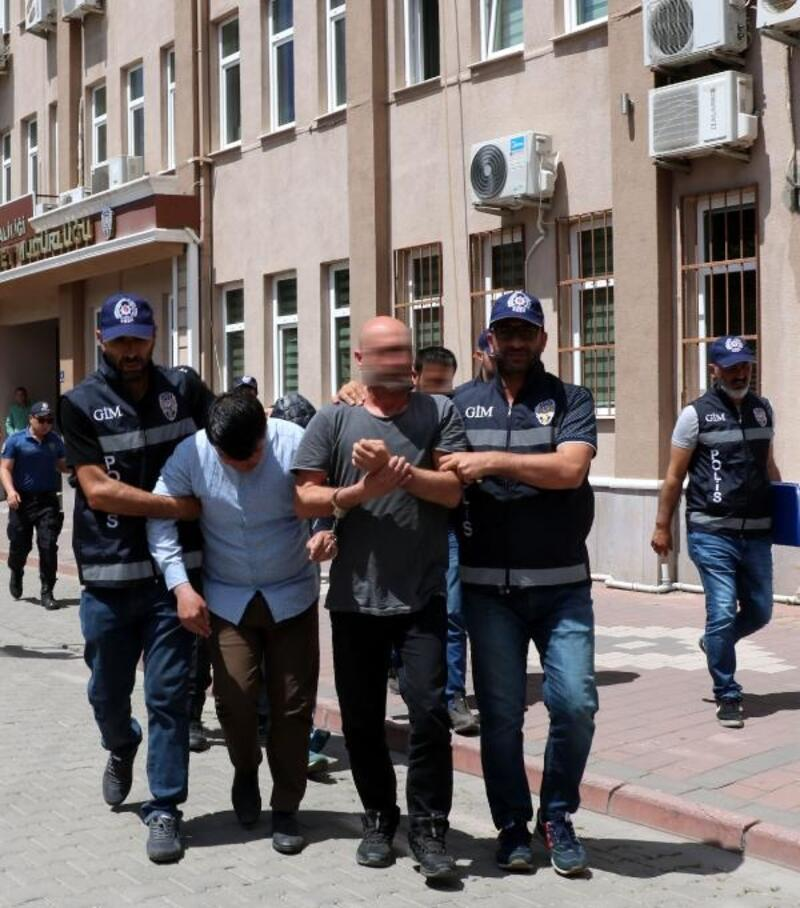 Çanakkale'de 100 kaçak ile 6 organizatör yakalandı