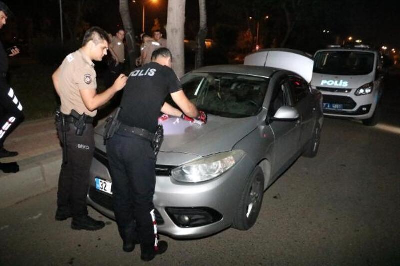 Durdurulan araçta uyuşturucu ve sahte para bulundu