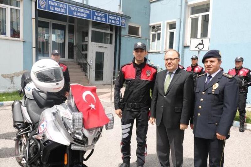 Hayırseverlerden Emniyete motosiklet desteği