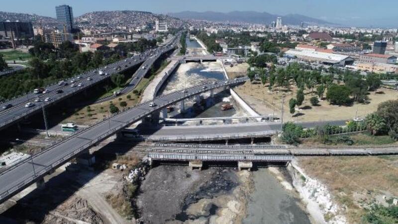 Meles ve Arap derelerinden 18 bin 500 ton atık çıkarıldı