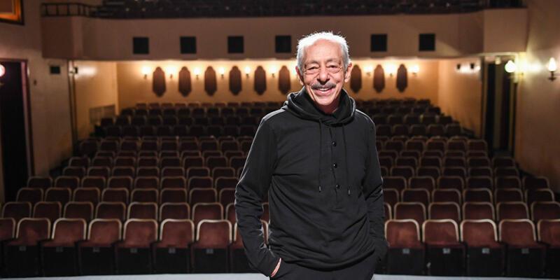 """Dostlar Tiyatrosu 50. yılına Genco Erkal ile """"Merhaba"""" diyor"""