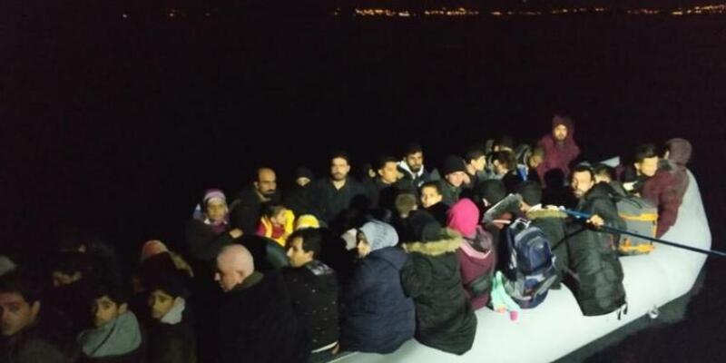 Didim'de lastik botta 60 kaçak göçmen yakalandı