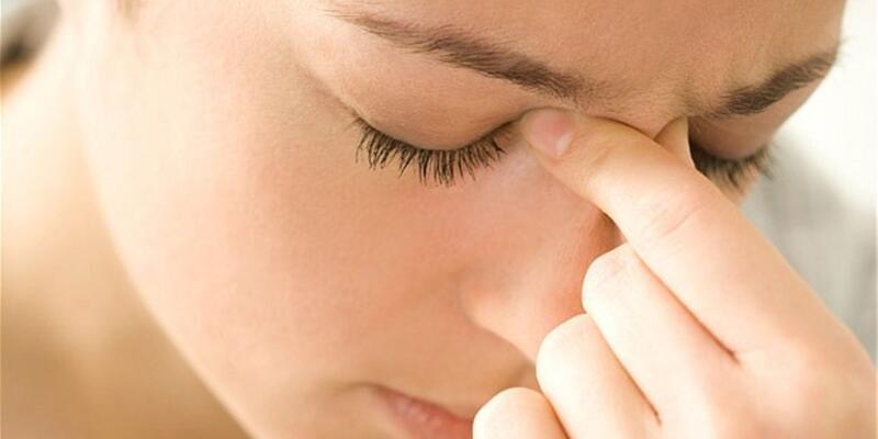 Ensede ağrı sinüzit belirtisi olabilir