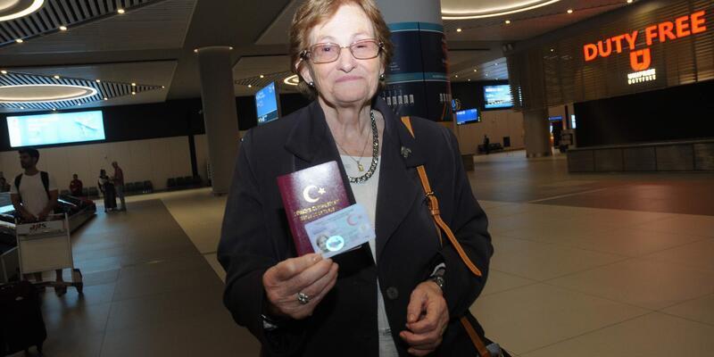 """69 yıl sonra Türkiye'ye geldi ve ilk sözü """" Sanki rüya görüyorum"""" oldu"""