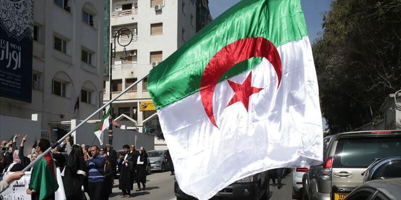 Cezayir'de cumhurbaşkanlığı seçimi iptal