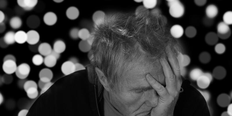 Demans hastalığı nedir? Kimler risk altında?