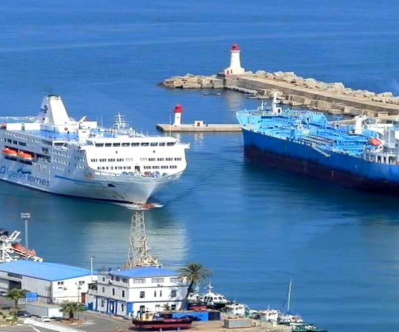 Çinli şirket Cezayir'in petrol limanını genişletecek