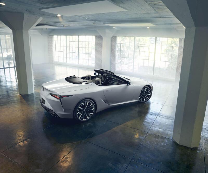 Lexus LC'nin üstünü açtı