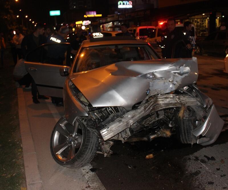 """""""Dur"""" ihtarına uymayan sürücü kaza yaptı"""
