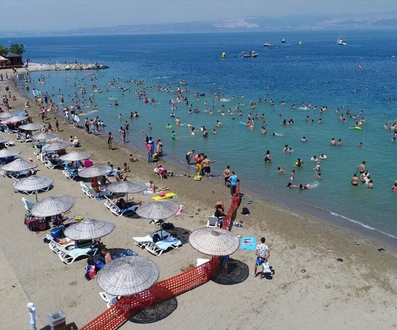 Suriyelilere 'plaj' yasağı